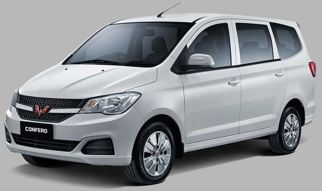 Makassar Car Rental with Wuling Confero